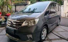 Jual Nissan Serena Highway Star 2014 harga murah di DKI Jakarta