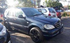 Jawa Timur, jual mobil Mercedes-Benz M-Class ML 320 2001 dengan harga terjangkau