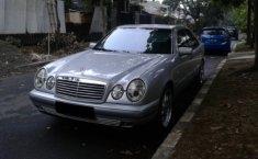 Jual mobil bekas murah Merercedes-Benz E-Class E320 1997 di Jawa Barat