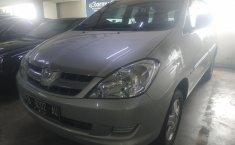 Mobil Toyota Kijang Innova E 2005 terawat di DKI Jakarta