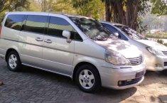 Mobil Nissan Serena 2007 Comfort Touring dijual, Jawa Timur
