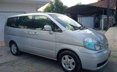 Jual mobil bekas murah Nissan Serena Highway Star 2005 di Jawa Timur
