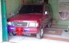 Mobil Isuzu Panther 1996 dijual, Jawa Tengah