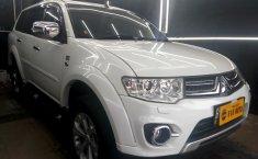 Mobil Mitsubishi Pajero Sport 2.5L Dakar 2014 terawat di DKI Jakarta
