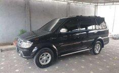 Mobil Isuzu Panther 2013 GRAND TOURING dijual, Bali