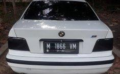 Mobil BMW 3 Series 318i 1997 dijual, Jawa Timur
