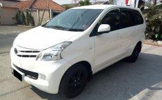 Mobil Toyota Avanza E 2014 terawat di Jawa Barat