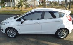 Dijual mobil bekas Ford Fiesta Sport 2014, Jawa Timur