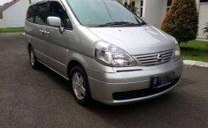 Jual mobil bekas murah Nissan Serena 2004 di Banten