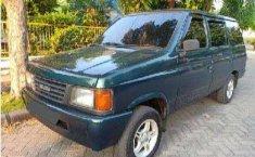 Mobil Isuzu Panther 1996 2.5 terbaik di Jawa Tengah