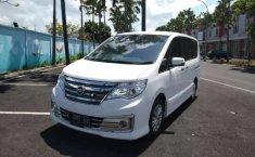 Dijual mobil bekas Nissan Serena Highway Star, Bali