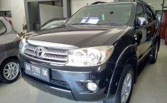 Dijual mobil bekas Toyota Fortuner 2.5 G 2010, Jawa Tengah