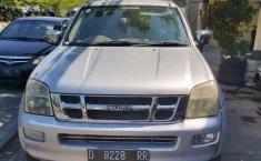 Jawa Barat, jual mobil Isuzu D-Max Rodeo 2004 dengan harga terjangkau