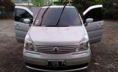 Mobil Nissan Serena 2008 terbaik di Jawa Barat