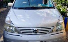 Jawa Timur, jual mobil Nissan Serena 2005 dengan harga terjangkau
