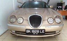 Sumatera Utara, dijual mobil Jaguar S Type 2000 bekas