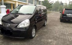Mobil Nissan Serena 2005 terbaik di Riau
