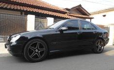 Dijual mobil bekas Mercedes-Benz C-Class C180 W203 2.0L Triptonik 2001, Jawa Barat