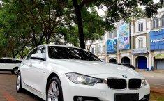 Dijual Mobil BMW 3 Series 328i 2013 dengan harga murah di DKI Jakarta