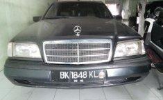 Jual mobil Mercedes-Benz C-Class C 230 K 1997 harga murah di Sumatra Utara