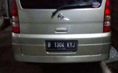 Mobil Nissan Serena 2007 terbaik di Jawa Barat
