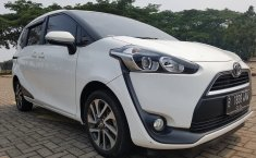 Mobil Toyota Sienta 1.5 V 2016 dijual, Banten