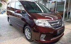 Mobil Nissan Serena 2013 Highway Star terbaik di Jawa Barat