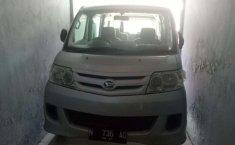 Mobil Daihatsu Luxio 2010 D terbaik di Jawa Timur