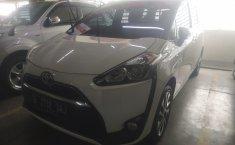 Jual mobil Toyota Sienta V 2017 terawat di DKI Jakarta