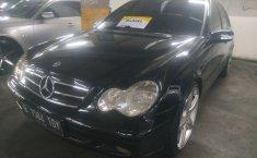 Jual mobil bekas Mercedes-Benz C-Class C200 2001 dengan harga murah di DKI Jakarta