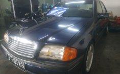 Jual mobil bekas Mercedes-Benz C-Class C200 1997 dengan harga murah di DKI Jakarta