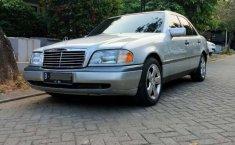 Dijual mobil bekas Mercedes-Benz C-Class C200, Jawa Barat