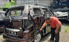 Gara-Gara Ban Pecah, Suzuki APV Terguling Sebabkan 3 Orang Meninggal