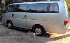 Jual cepat Kia Travello 2012 di Jawa Tengah