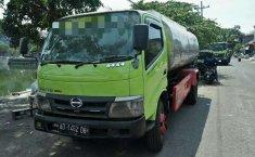 Mobil Hino Dutro 2011 terbaik di Jawa Timur