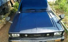 Mobil Toyota Corolla 1982 terbaik di Sumatra Barat
