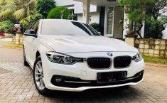 Dijual mobil bekas BMW 3 Series 320i, Jawa Barat