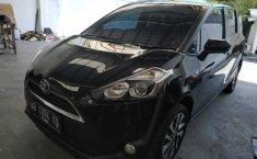 Mobil Toyota Sienta V 2017 terbaik di DIY Yogyakarta