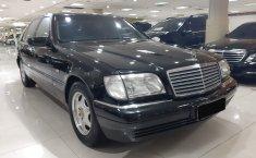 Mobil Mercedes-Benz S-Class S 320 L 1998 terawat di DKI Jakarta