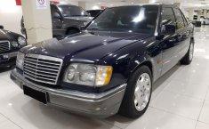 Jual mobil bekas murah Mercedes-Benz 200E EXECUTIVE 1994 di DKI Jakarta