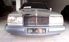 Jual mobil Mercedes-Benz E-Class E 300 1991 bekas murah di Sumatra Utara