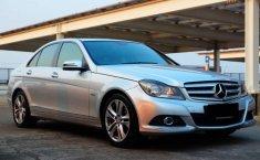 DKI Jakarta, jual mobil Mercedes-Benz C-Class C200 2011 dengan harga terjangkau