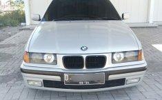 Mobil BMW 3 Series 318i M43 Tahun 1998 dijual, Jawa Barat