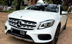 Mobil Mercedes-Benz GLA 200 SPORT AMG 2017 terawat di DKI Jakarta