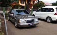 Mobil Mercedes-Benz 300E 1989 dijual, Jawa Barat