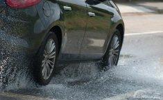 Trik Kembali Bersih Jika Mobil Baru Selesai Dicuci Kena Hujan Lagi