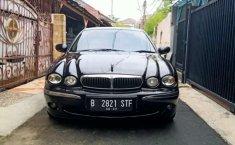 DKI Jakarta, Jaguar X Type 2002 kondisi terawat