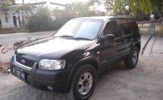 Jual mobil bekas murah Ford Escape XLT 2.0 2003 di Jawa Barat