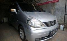 Mobil Nissan Serena 2006 Highway Star terbaik di Jawa Barat