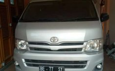 Mobil Toyota Hiace 2012 terbaik di Jawa Barat